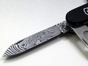 【限定販売】ビクトリノックス ダマスカスナイフ2011